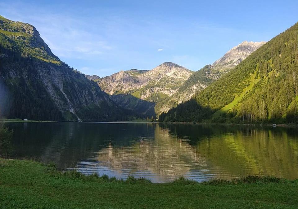 Wandern, Yoga und Picknick auf stillen Wegen